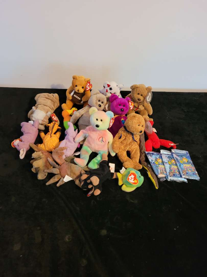 Lot # 472 (16) Ty Beanie Babies & Collector Cards