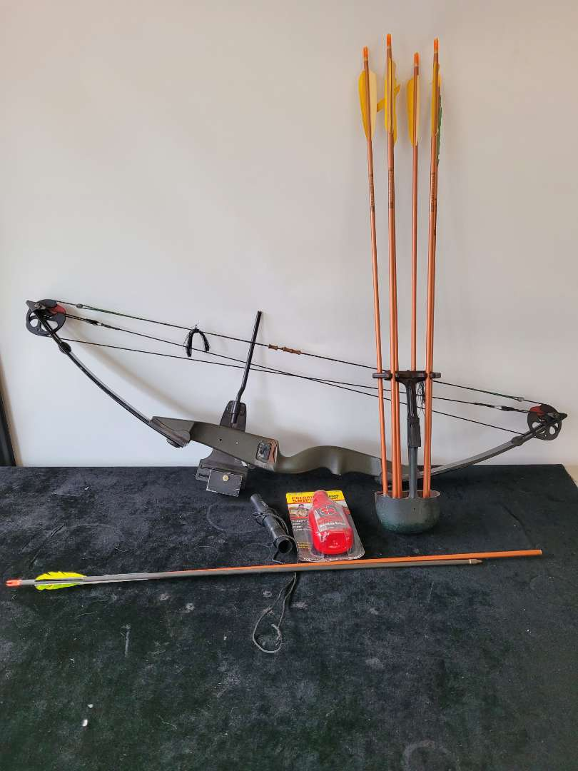 Lot # 503 Vintagr Compound Bow & Arrows w/ Deer Call & Hunting Scent