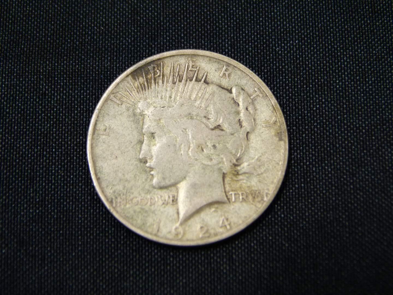 Lot # 6  1924 Silver Peace Dollar 90% silver