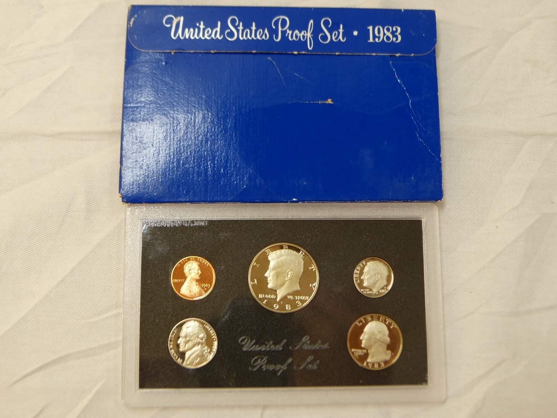 Lot # 110  1983 United States Proof Set  (main image)