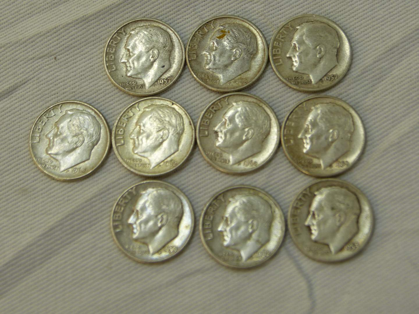Lot # 115  Nice clean lot of US 90% silver dimes (main image)