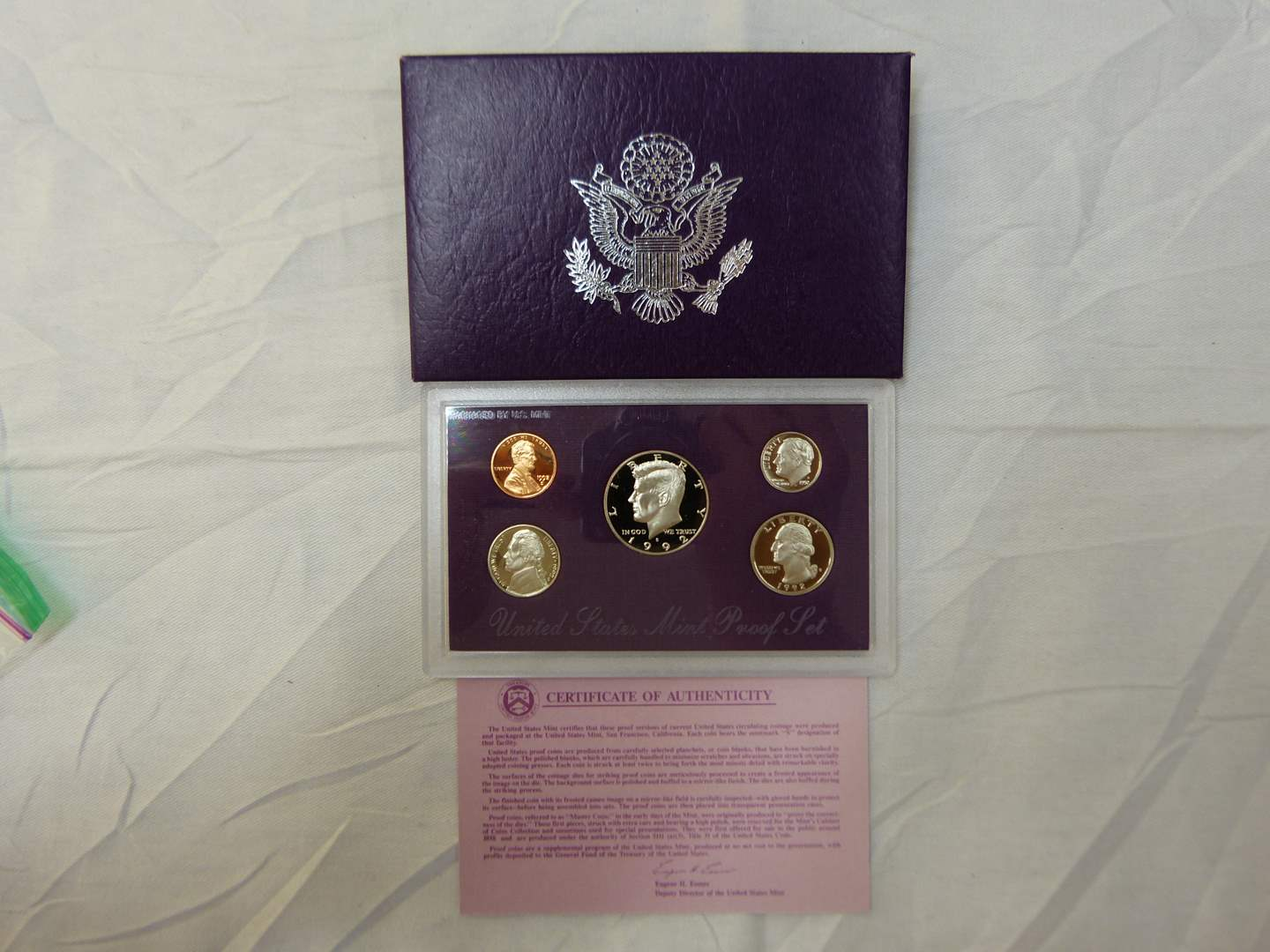 Lot # 125  1992 United States Mint uncirculated coin set (main image)