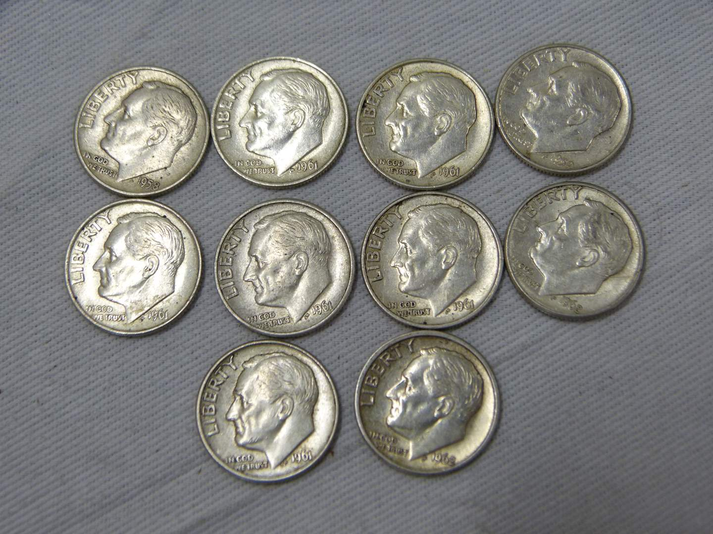 Lot # 212  Clean lot US silver dimes various dates and conditions (main image)