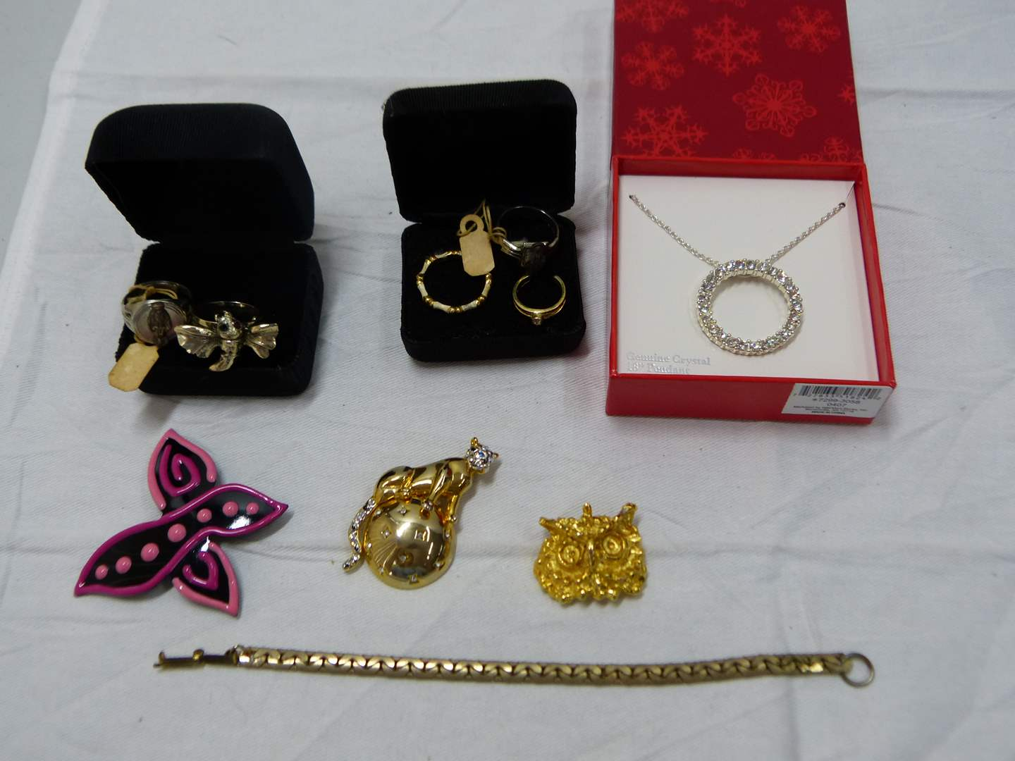 Lot # 243  Nice lot of vintage & modern costume jewelry (main image)