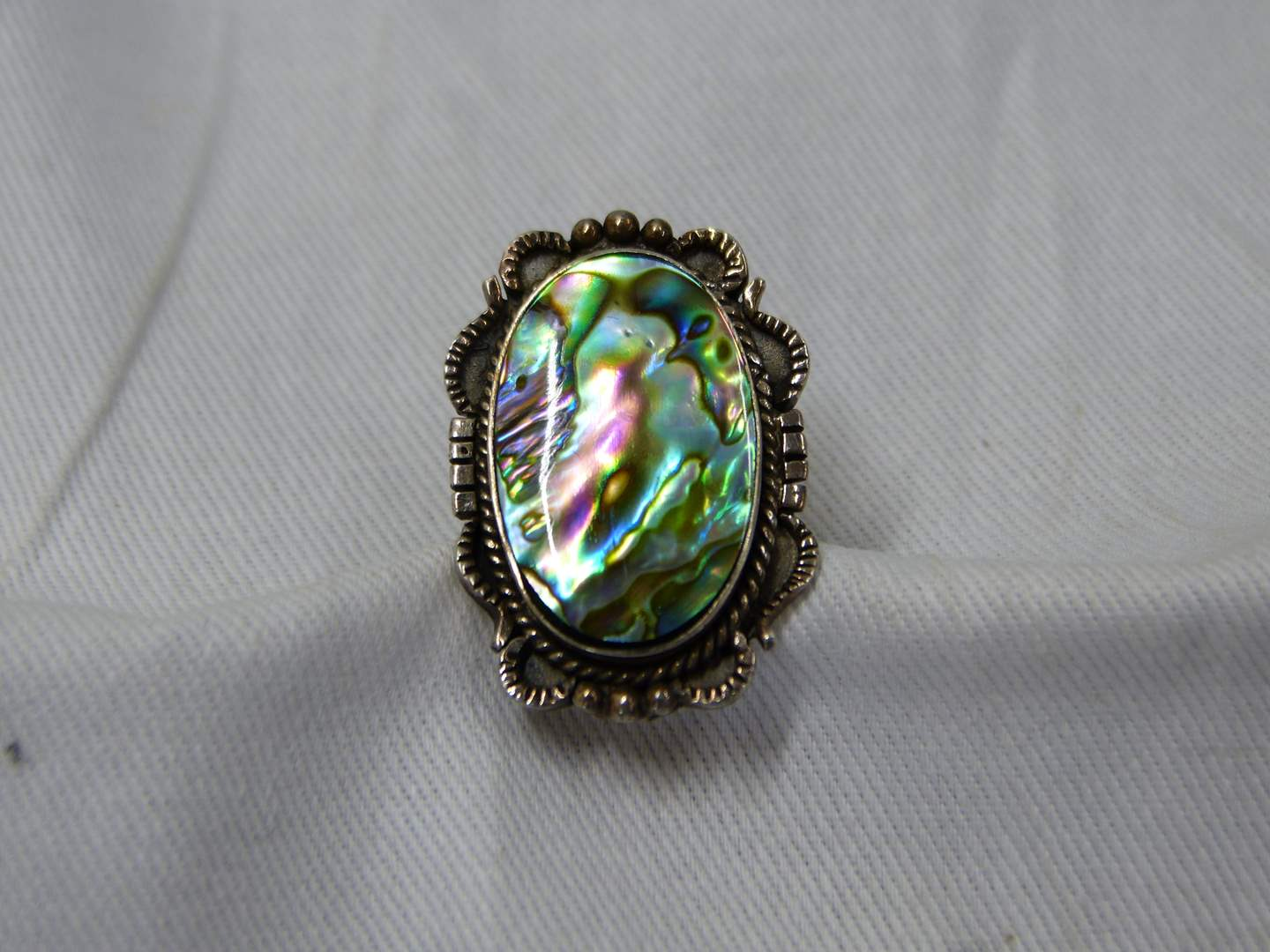Lot # 283  Vintage sterling & abalone size 7 ring