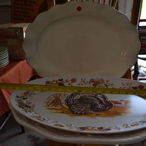 Lot # 7 LOT OF LARGE SERVING PLATES