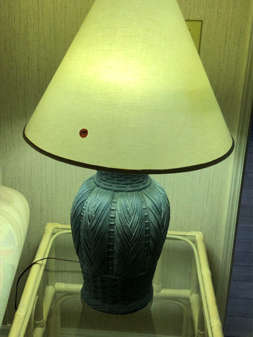 Lot # 140 LAMP