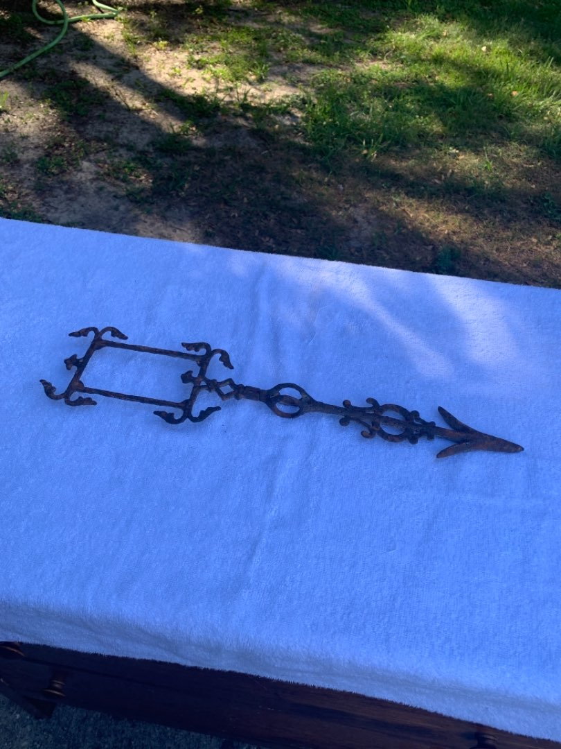 Lot # 74 Great Antique Cast Iron Arrow/Directional for Lighting Rod Weathervane