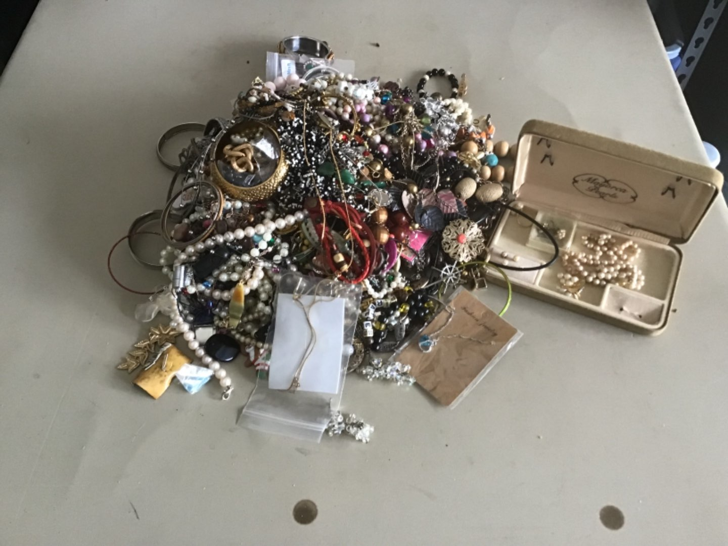 Lot # 86  About 15 Lbs of Costume Jewelry! It Needs To Be Sorted & Gone Through. See Below