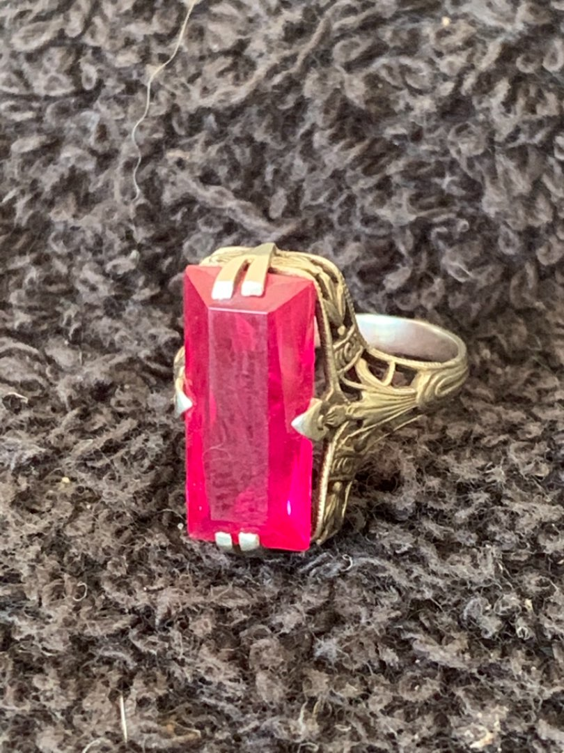 Lot # 165 Beautiful Antique Stamped 14k Size 4 Ring With Red Stone. 2.88 Grams