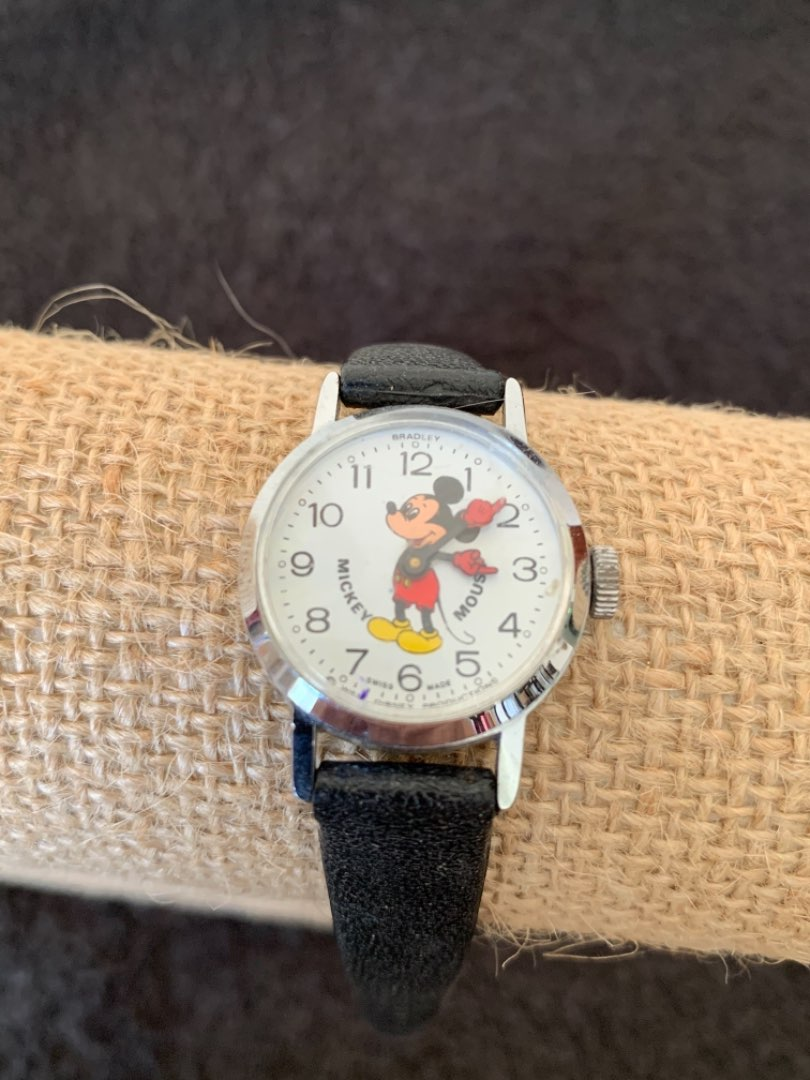 Lot # 169 Vintage Working & Clean Disney Productions Mickey Mouse Watch