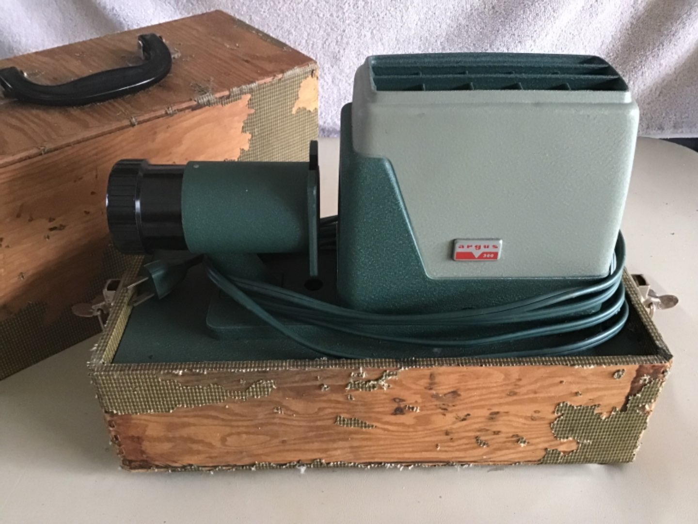 Lot # 200 Vintage Argus Slide Projector in Carrying Case