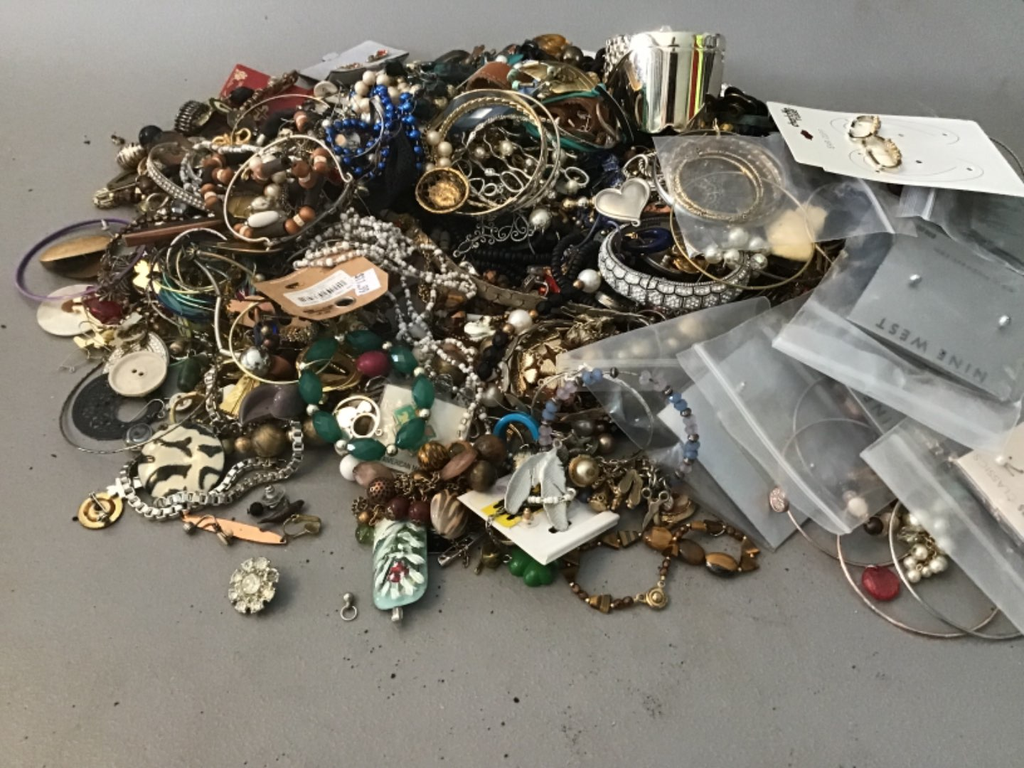 Lot # 234 Another HUUUGE LOT OF COSTUME JEWELRY! Approx 10 Lbs - As Found!