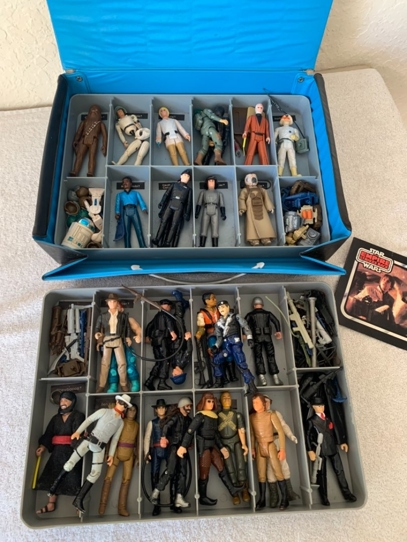 Lot # 275 Vintage Star Wars Carry Case With Lots Of Figures & Accessories. See Below