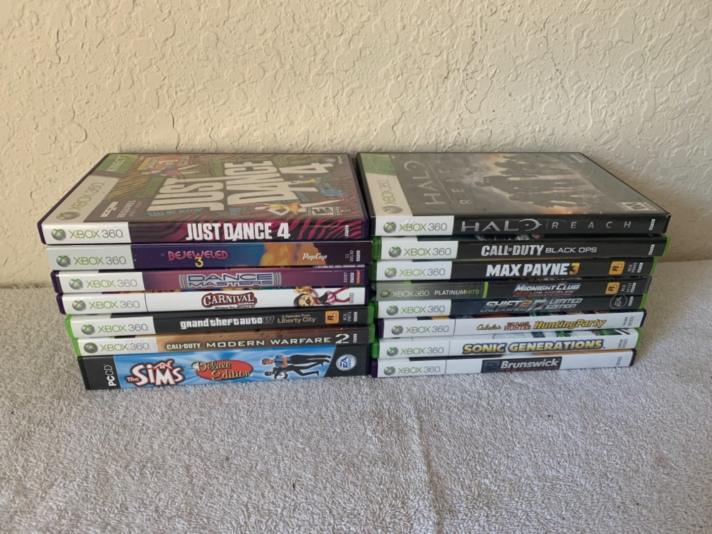 Lot # 298  Lot ( 15) Like New & Well Cared For XBOX 360 Games.