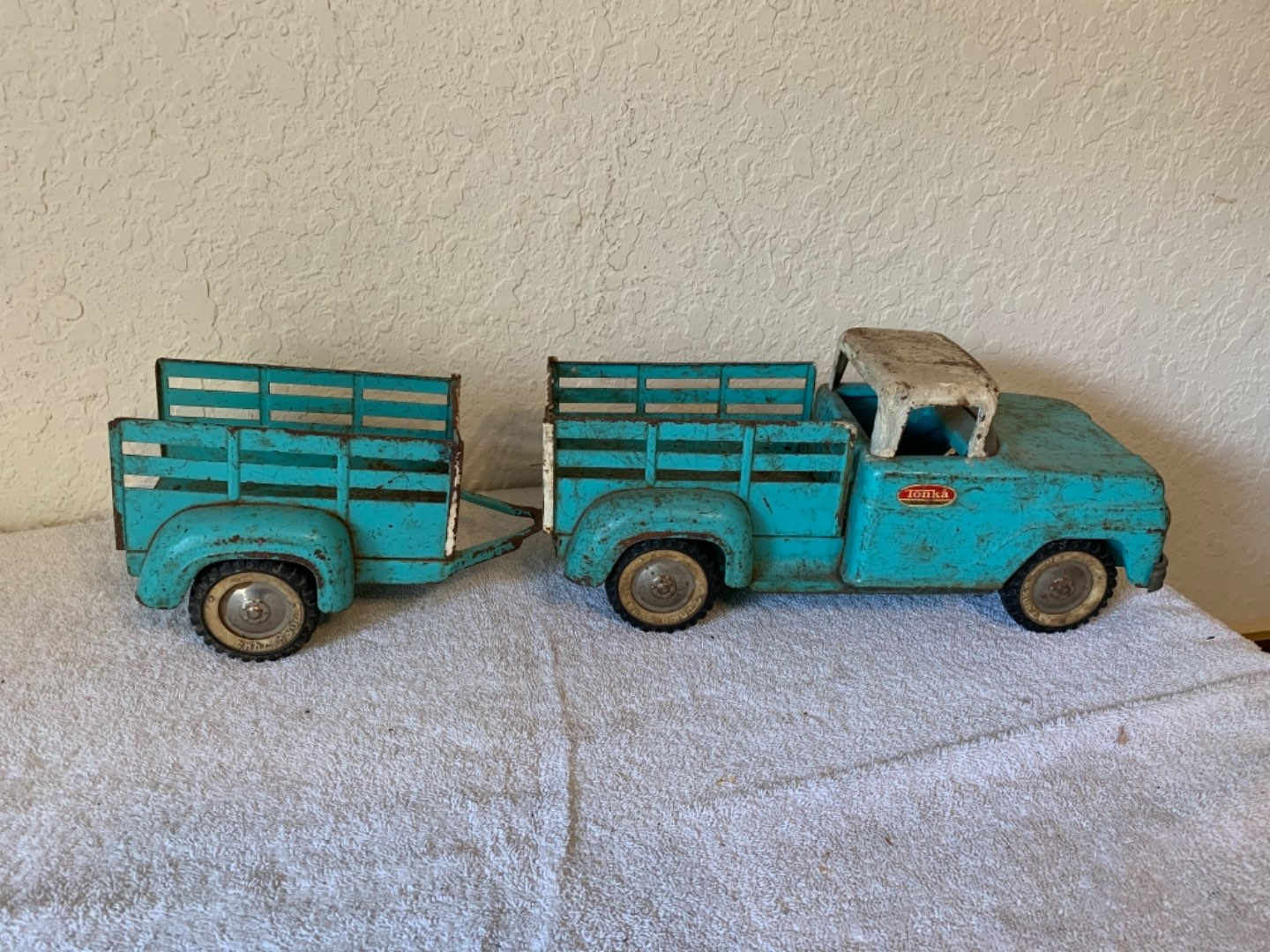 Lot # 302  Great Old 50's-60's Tonka Stake Truck With Trailer. See Below