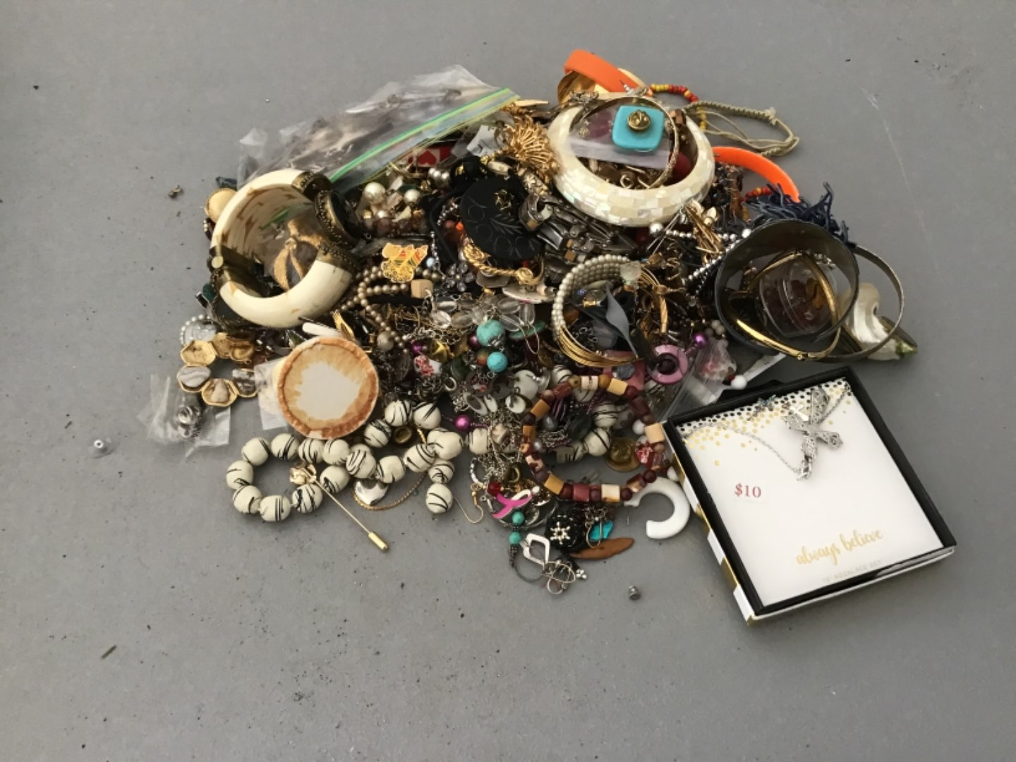 Lot # 318 HUUUGE LOT (Approx 10 Lbs) OF COSTUME JEWELRY! As Found!