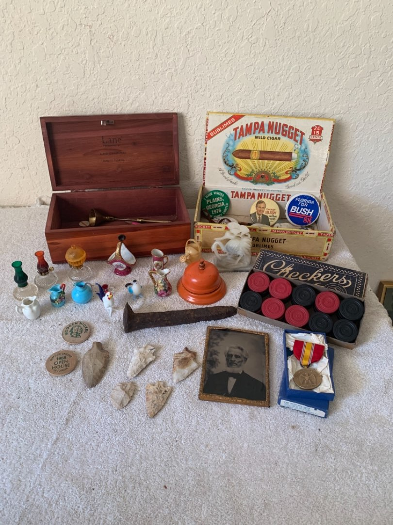 Lot # 324 Antique/Vintage Assorted Lot Of Smalls. Arrowheads, WW2 Medal, Boxes, Etc