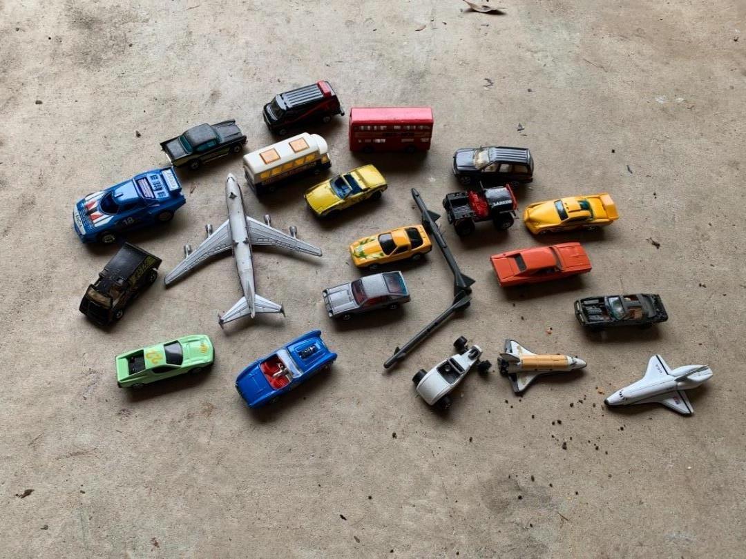 Lot # 355 Small Vintage Lot Hotwheels, Matchbox, & Ertl Cars