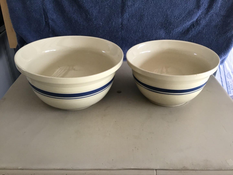 Lot # 368 Two (2) Terrific, Clean & Huge Mixing Bowls (8 qt & 5 qt)!