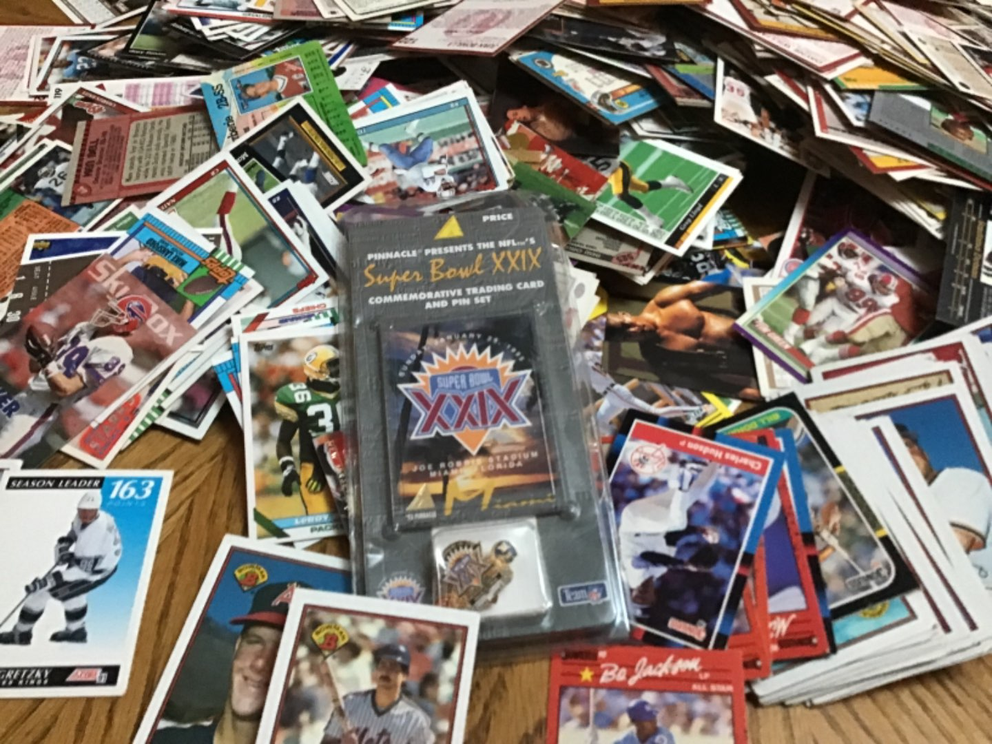Lot # 386 A HUUGE BOX FULL OF CARDS! Likely 6 or 700 or more! Good bunch of 1988, mostly early 90's