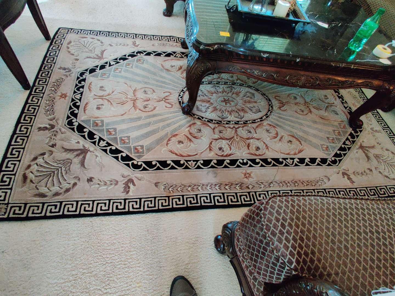 #19 very nice clean 5x8 sculptured rug