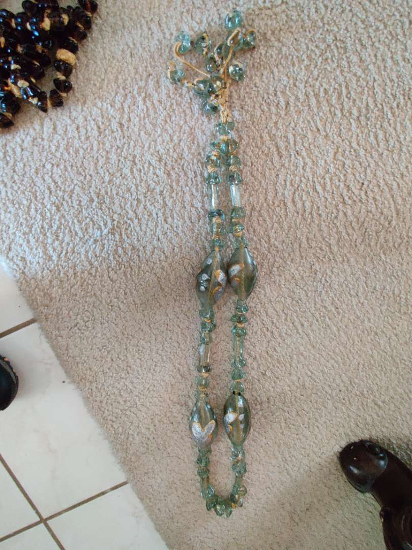 37 set of glass religious beads in great condition 38 in Long from Bethlehem