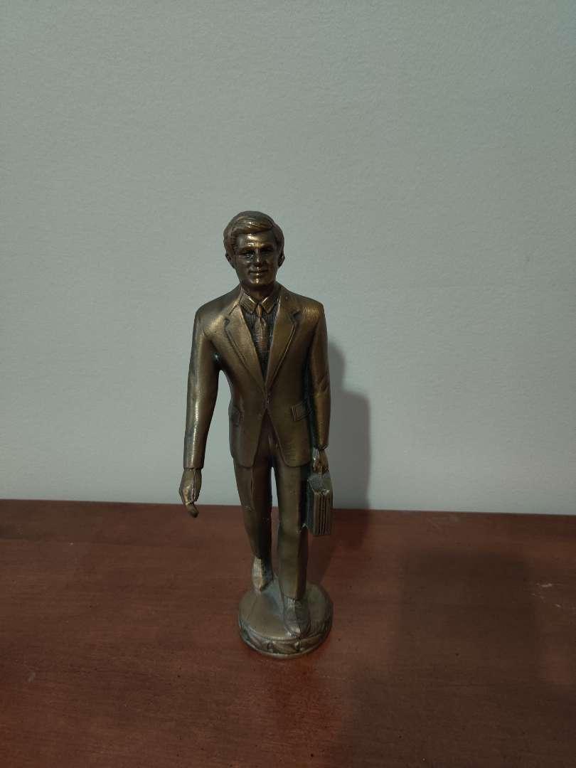 69 very nice metal businessman sculpture figurine