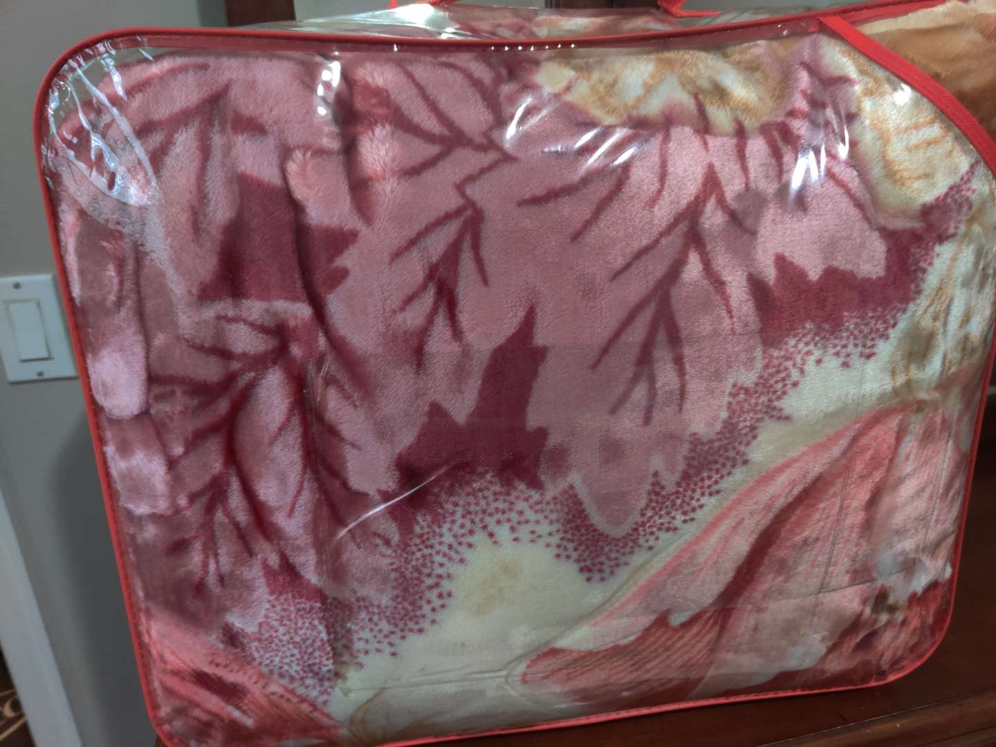 76 Queen 2-ply blanket very soft very heavy
