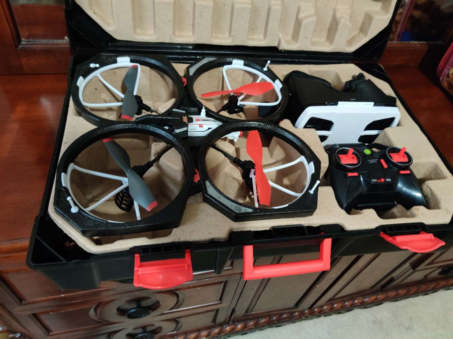 78 Air Hogs - Helix Sentinel View Video Drone in case used once