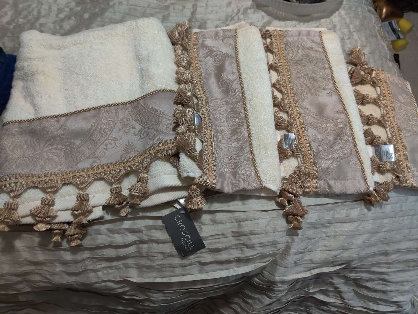82 Coscill towel set with tags still on it very nice