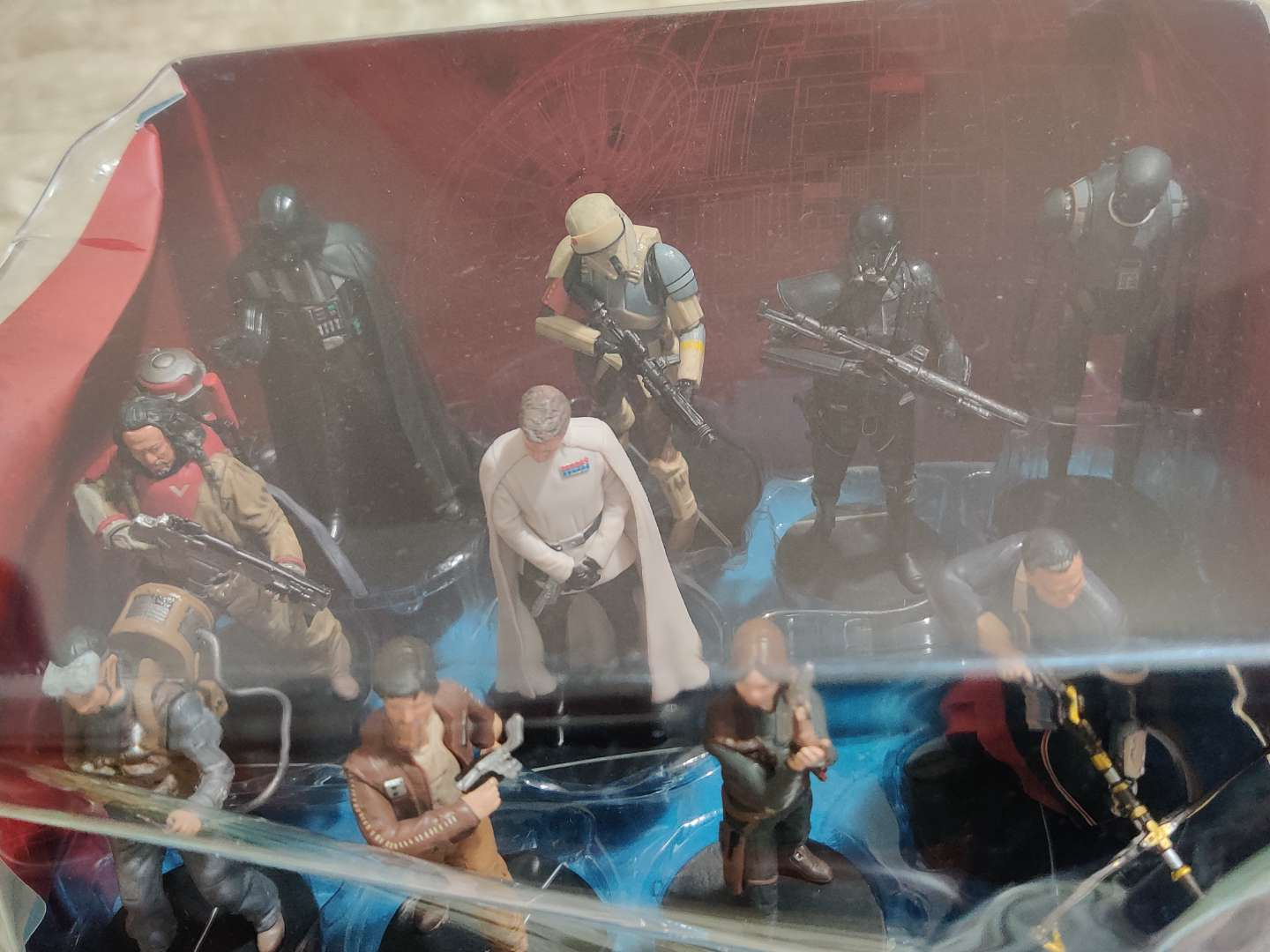 86 Star Wars Rogue One deluxe figure set in the box