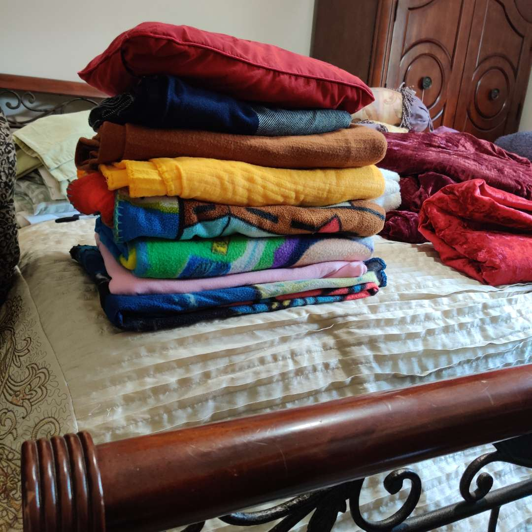 112 kids blankets eight small blankets