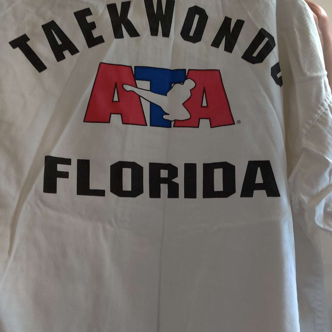 117 taekwondo outfit size 2