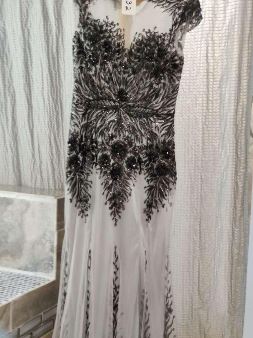 132 Lila Madison extra large black and gray dress