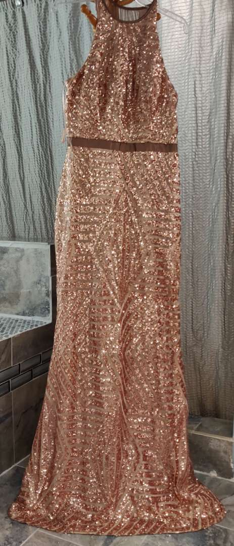 135 cache size 12 rose gold sequin dress