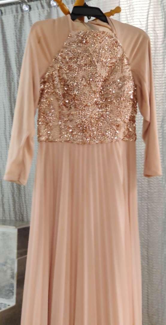 136 cachet size 14 blush sequin gown