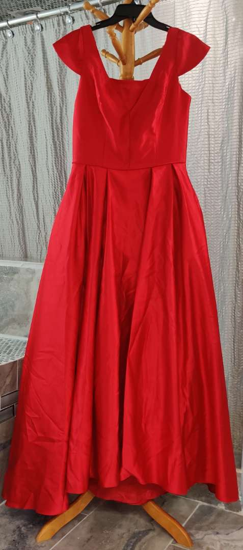 140 Betsy Adam red satin with pockets full skirt