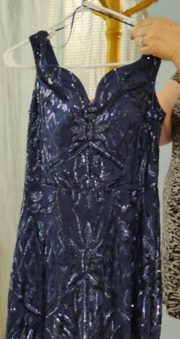 143 Windsor navy blue sequin size 10-12 sweetheart neckline dress