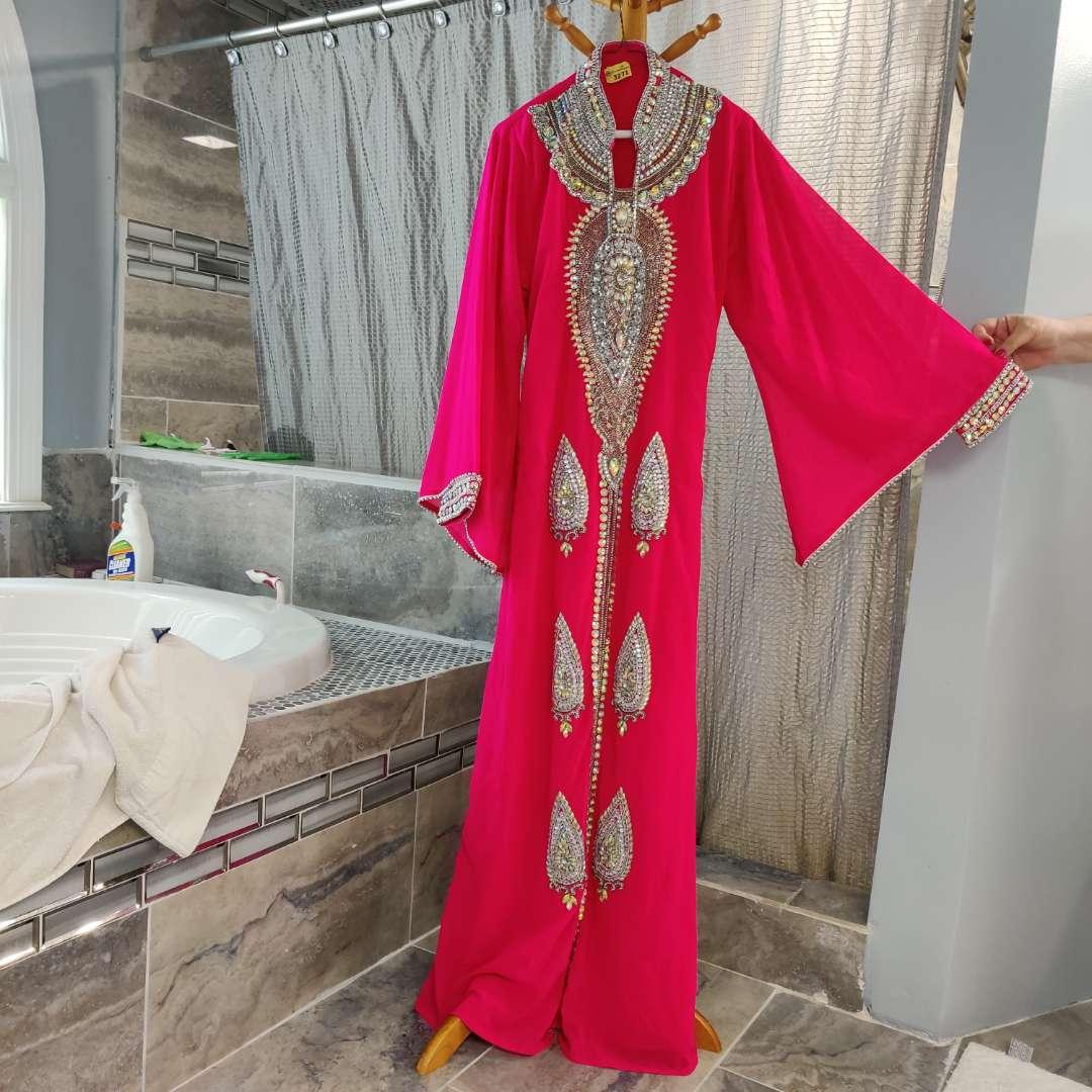 152 fushsia beaded Abaya Bell sleeves sz medium