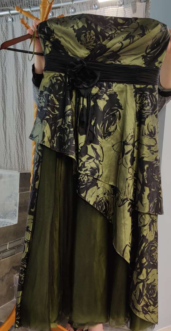 155 Anny Lee olive green and black satin size 3x dress