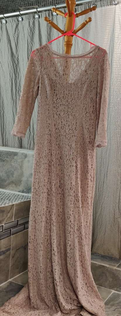 158 Adrianna propel taupe lace dress size 10?