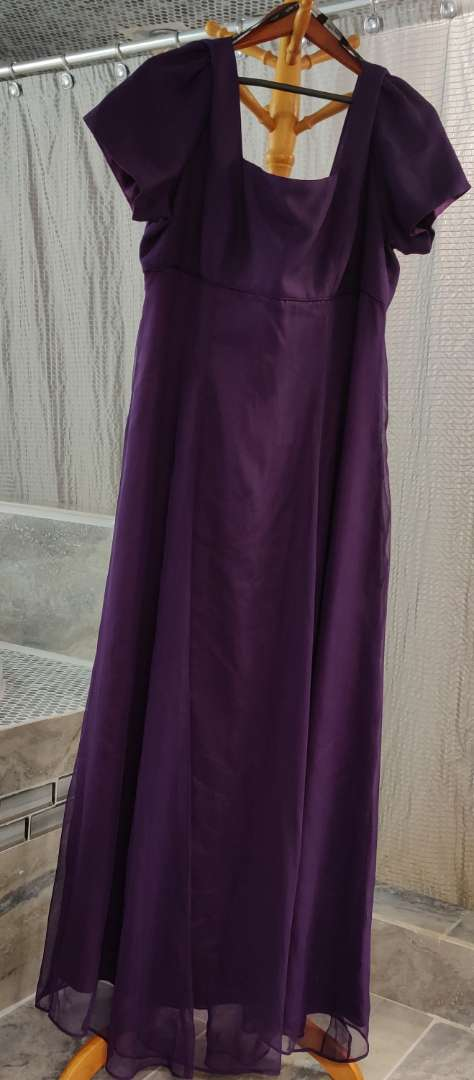 159 Alfred Angelo purple dress size 20