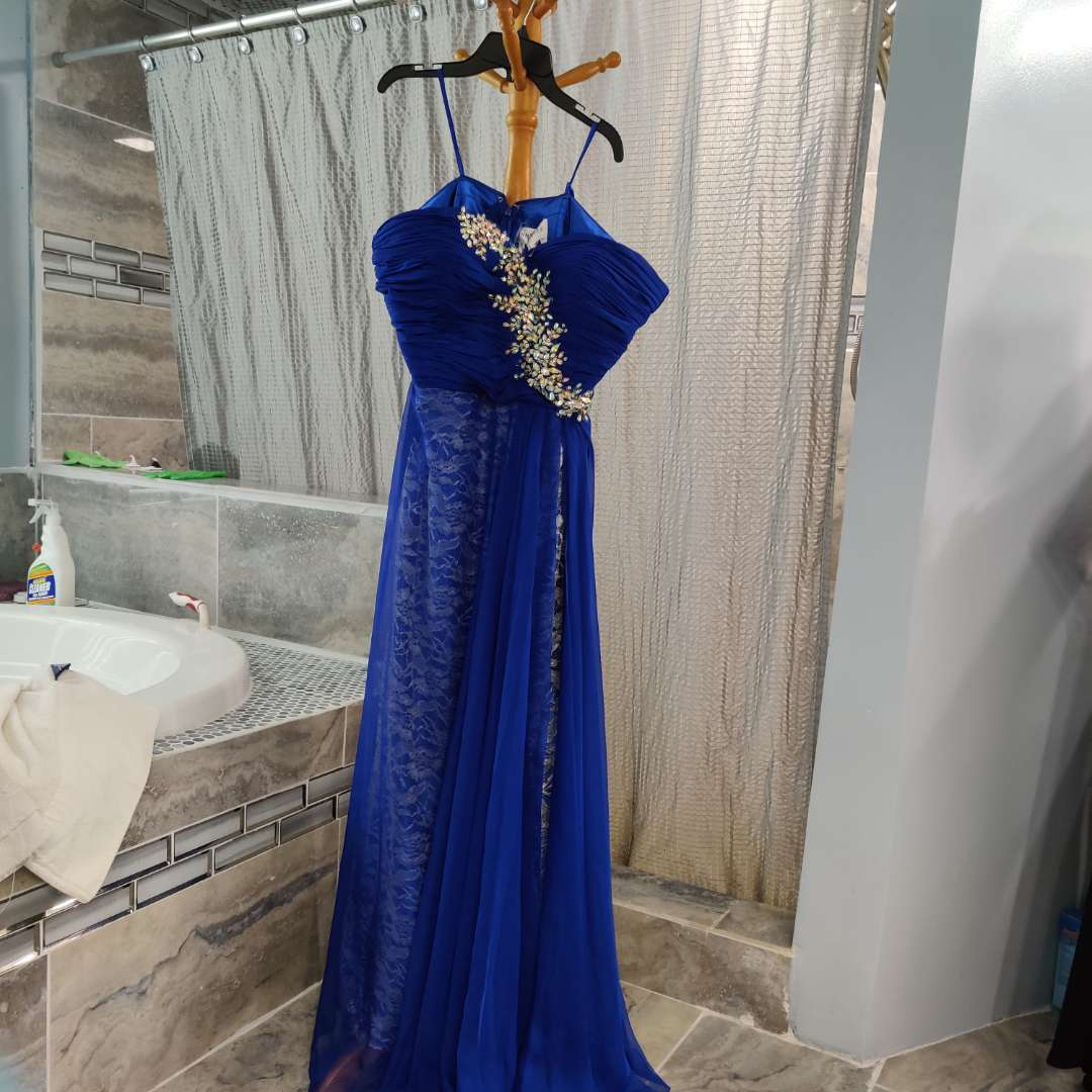 161 Anna Lee Royal blue extra large lace under liner