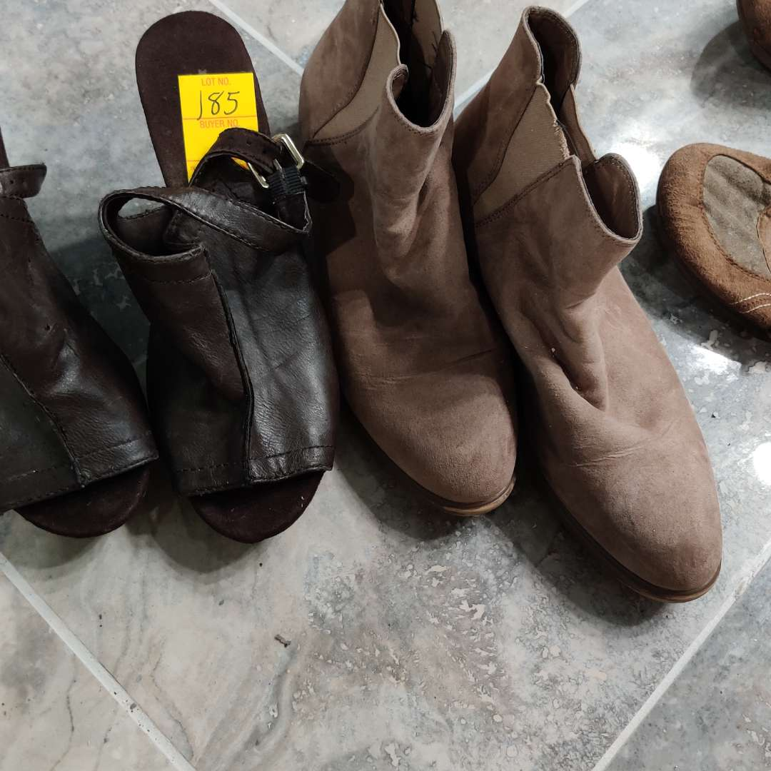 #185.   2 pair of shoes  dark brown leather size 9