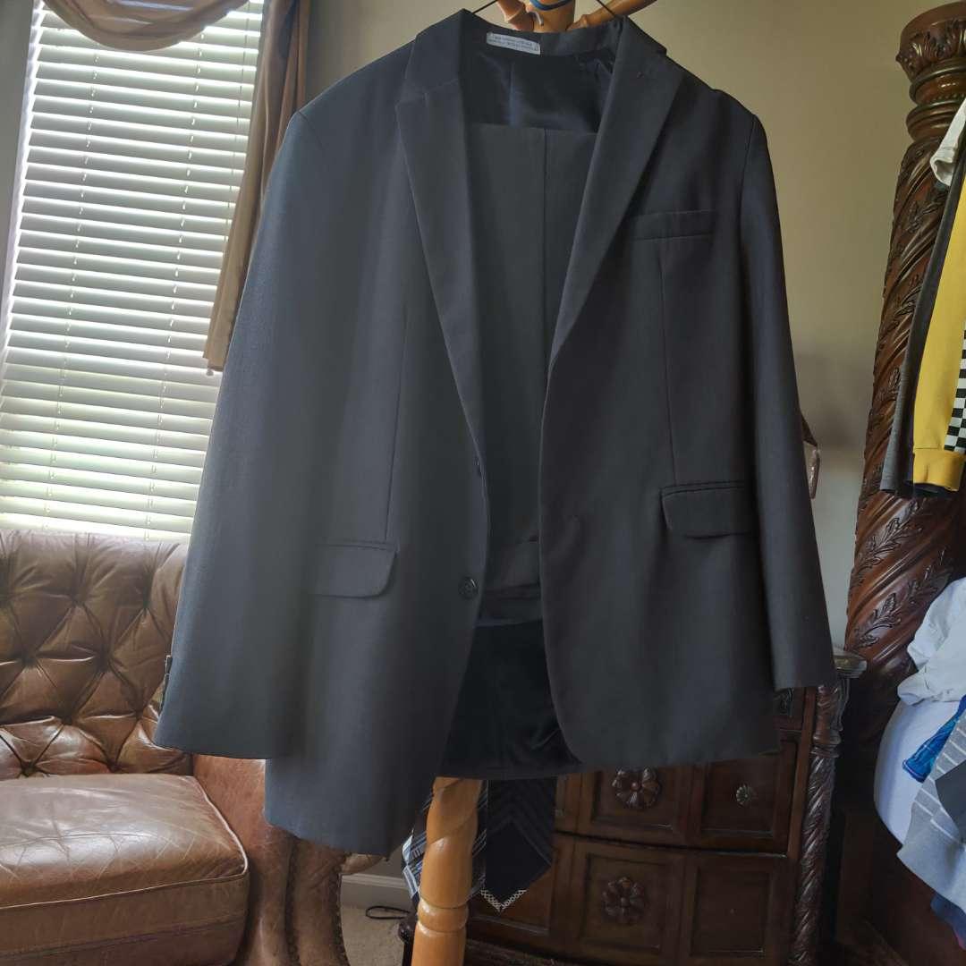 192. Boys 14 regular Bak suit