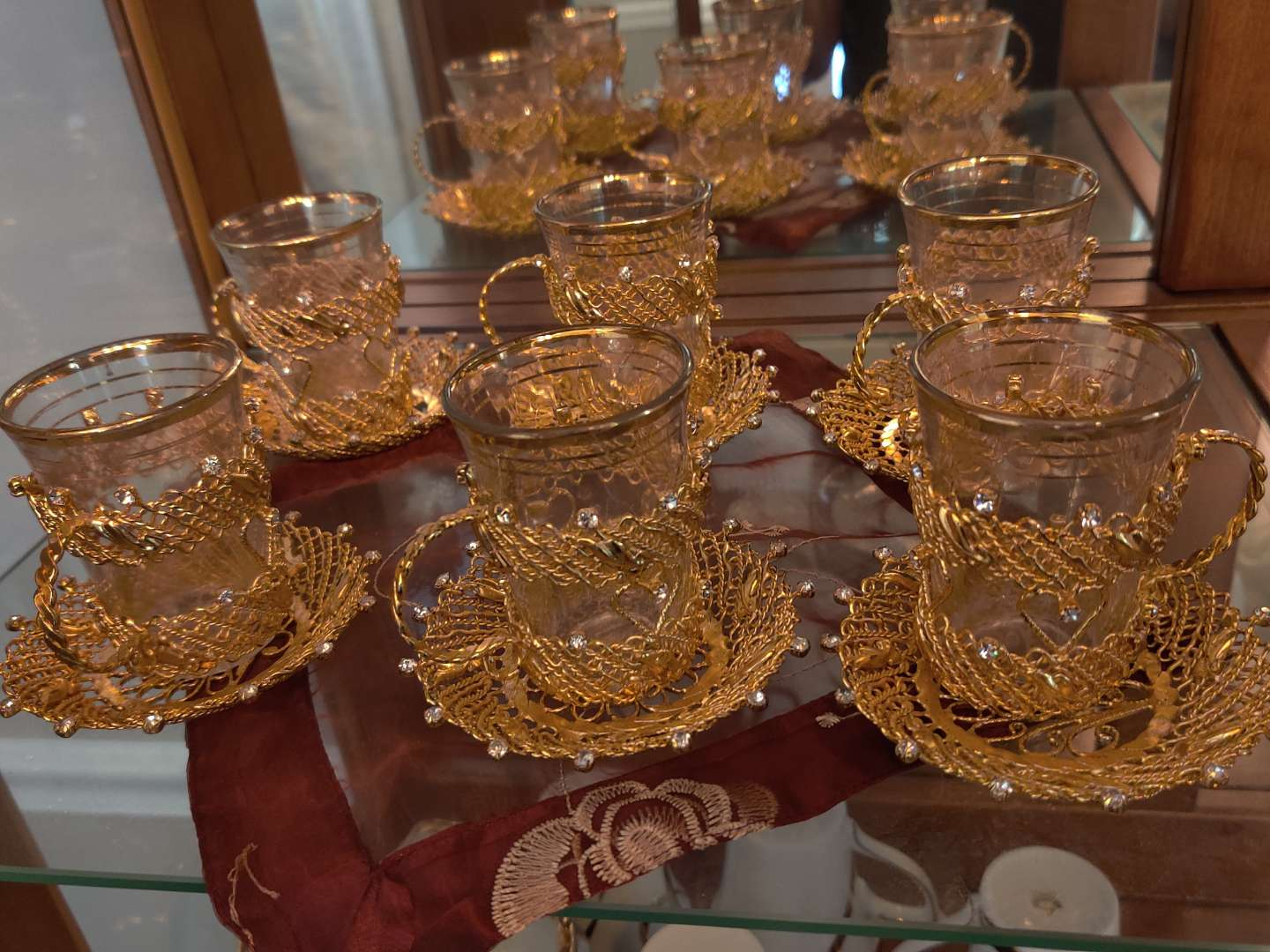219 set of six gold medal and glass cup and saucers very nice