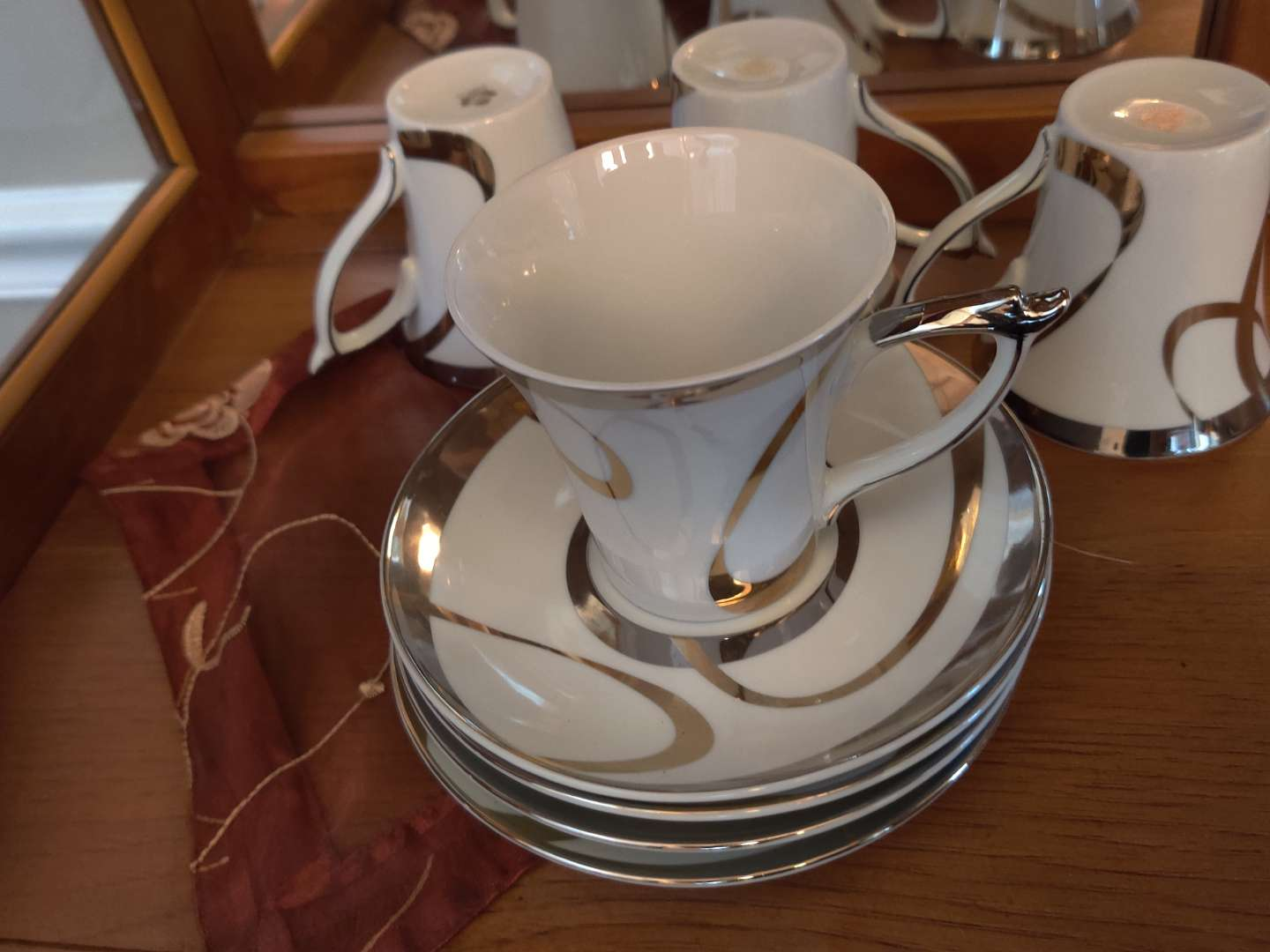 222 four sets of large cup and saucers
