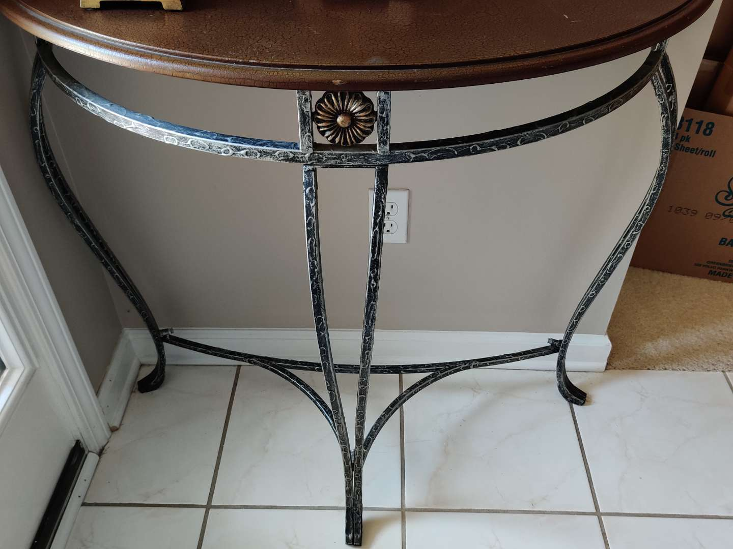 226 very nice foyer table with metal base