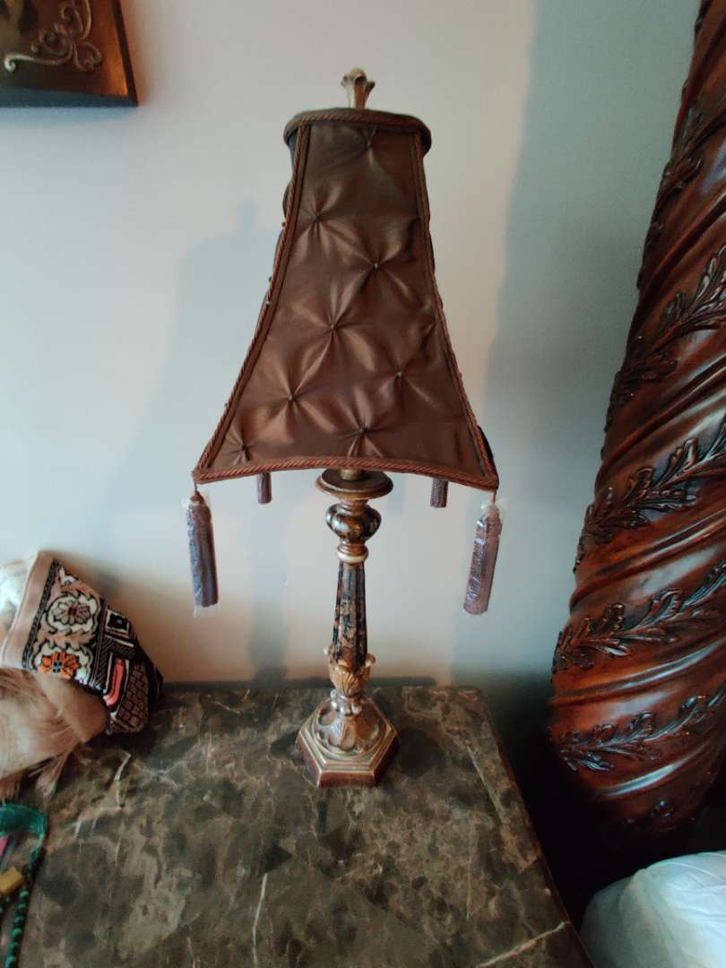 249 pair of very nice 30-in tall lamps